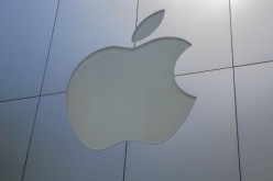 Apple pulls hundreds of iOS apps from its store for privacy violations